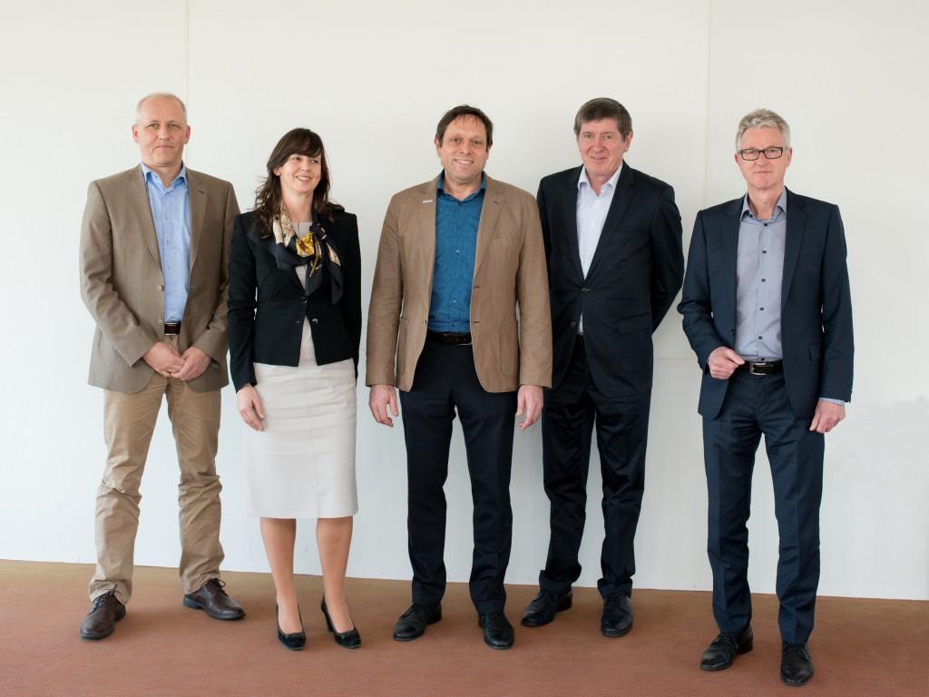 von links nach rechts: Stefan Lochbühler, Annett-Katrin Wohlgemuth, Dr. Mario Mezler, Dr. Karl-Heinz Czychon, Dr. Sönke Brodersen
